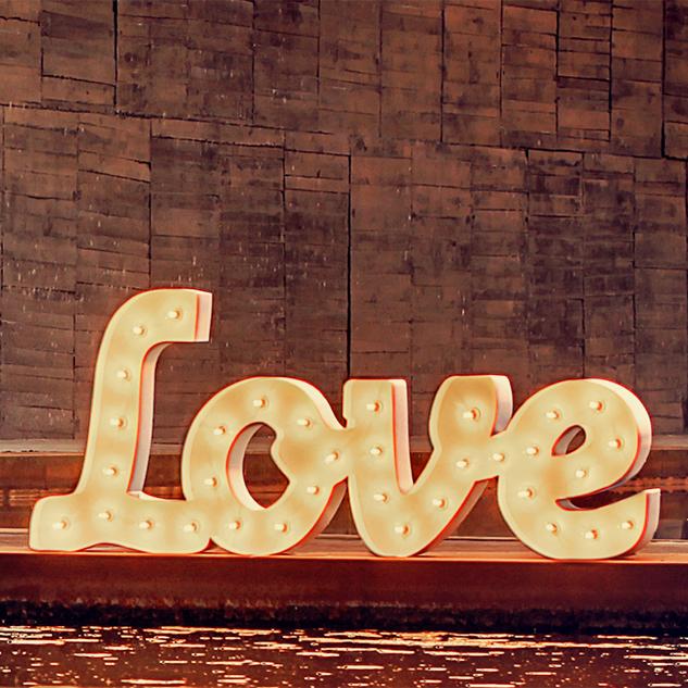 Alquiler de letras luminosas para bodas letras decoraci n - Letras luminosas decoracion ...