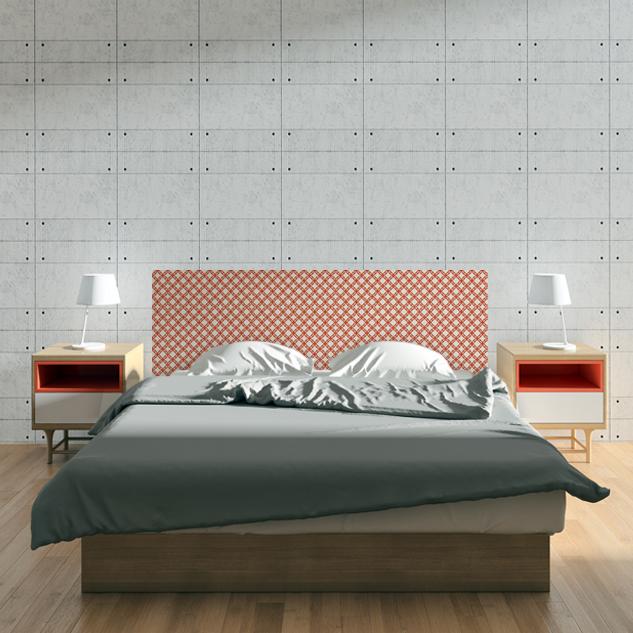 Cabecero de cama de madera natural con diseño impreso sobre la madera